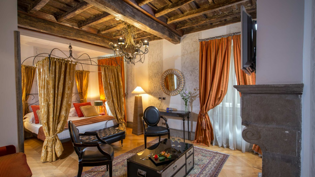 Hotel-The-Inn-and-the-Roman-Forum-room-68-2