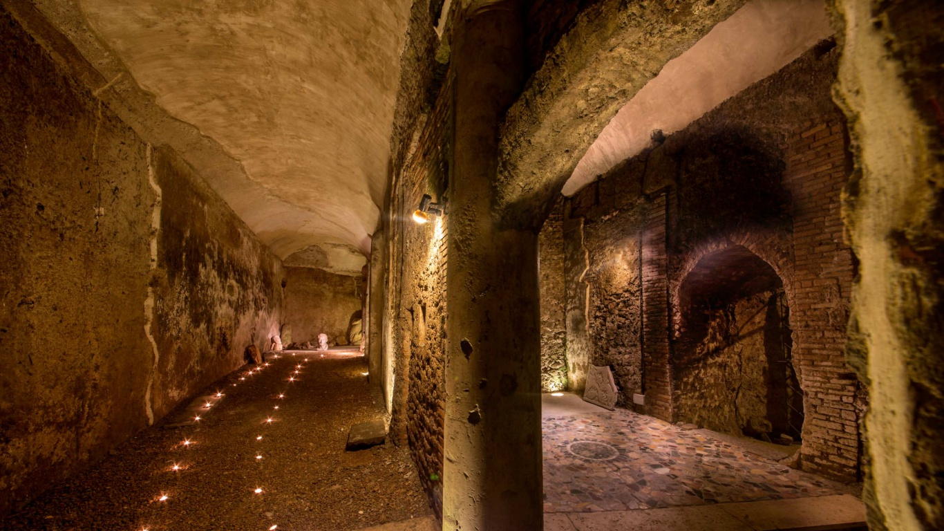 Hotel-The-Inn-and-the-Roman-Forum-cripro-covered-walkway-12