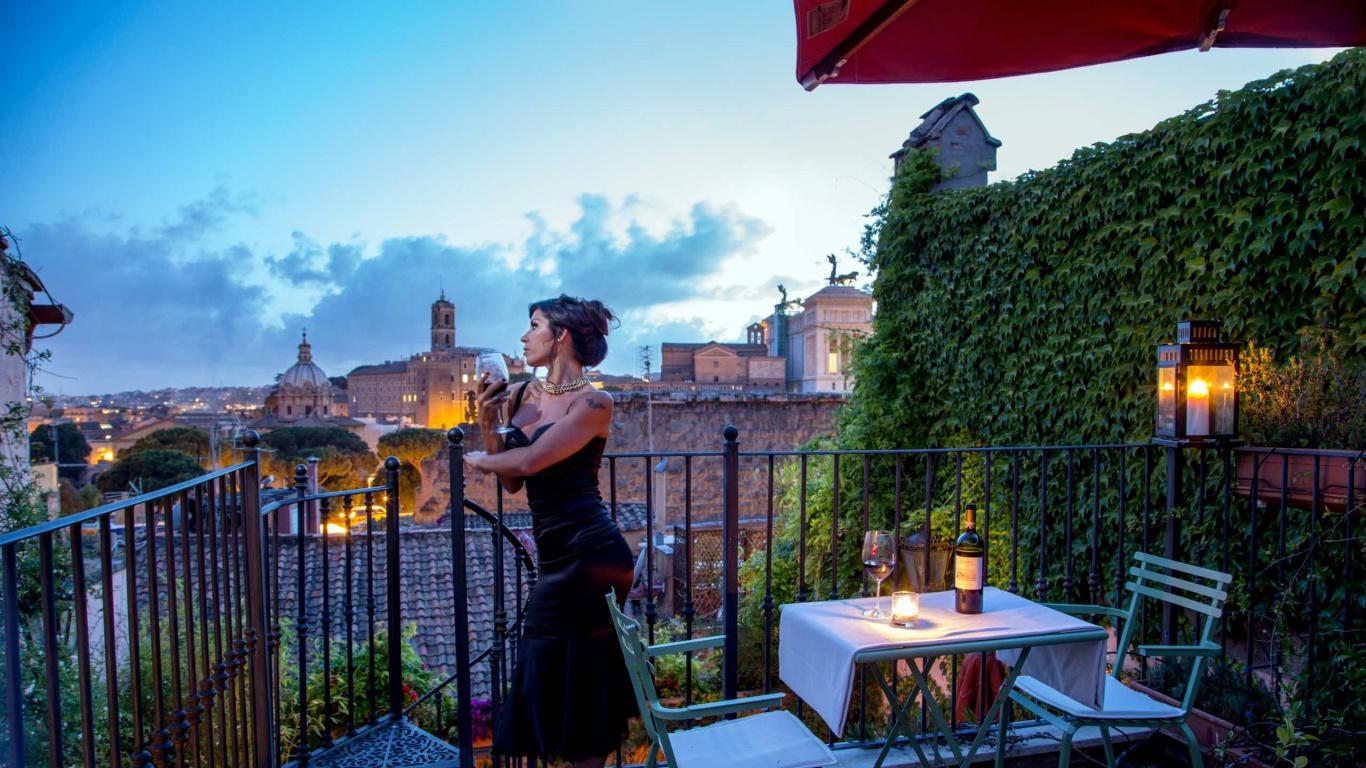Hotel-The-Inn-and-the-Roman-Forum-terrace-187